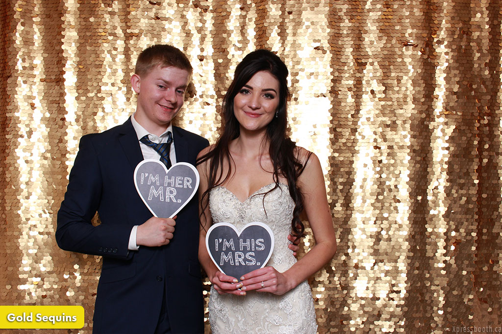 Photo Booth Backdrop Spangled Gold Sequins