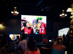 Streaming slide show of photo booth pictures on projetor